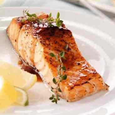 maple-glazed-salmon