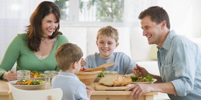 FAMILY-DINNER-facebook